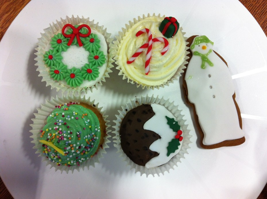 Leicester College Cake Decorating