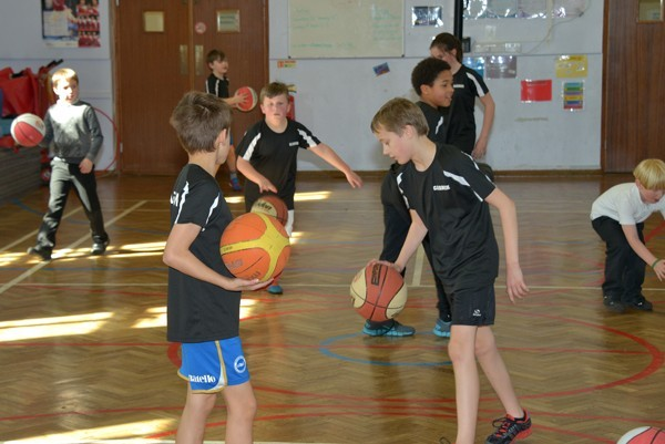 Lunchtime Basketball Club