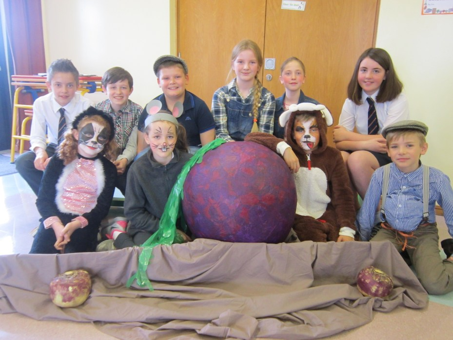 "Cast of ""The Enormous Turnip"""