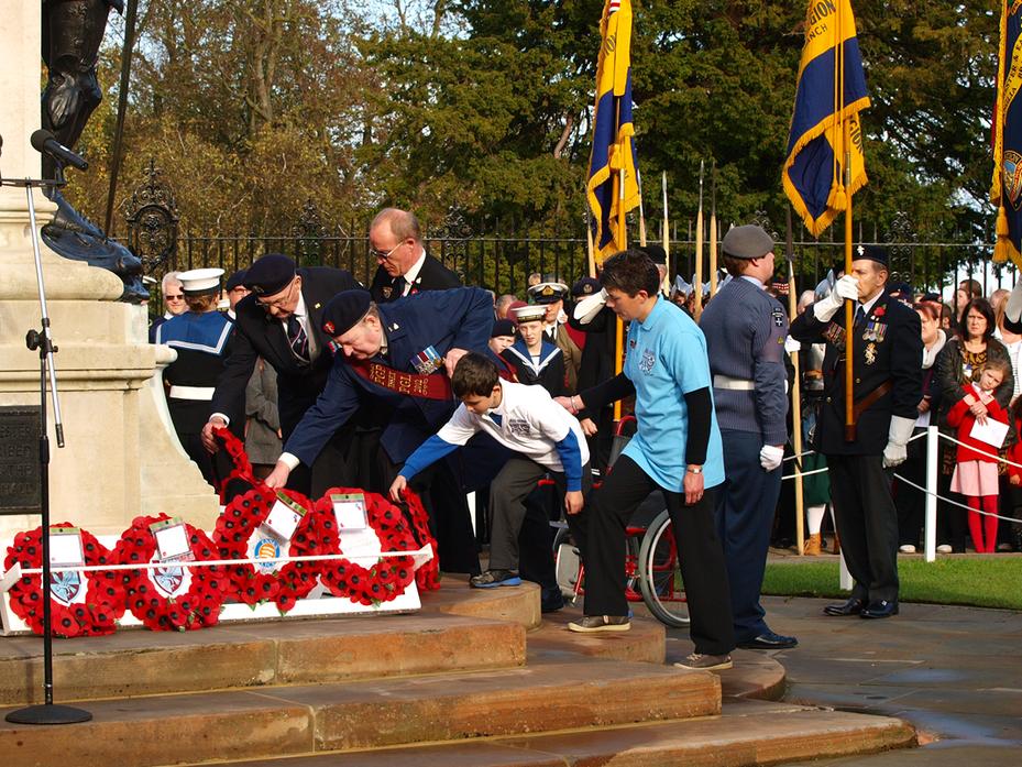 HMS Heroes Wreath