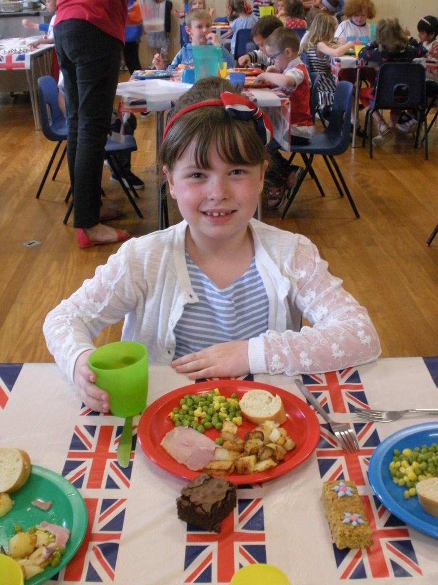 Queen Elizabeth II 90th birthday lunch winner enjoying her meal