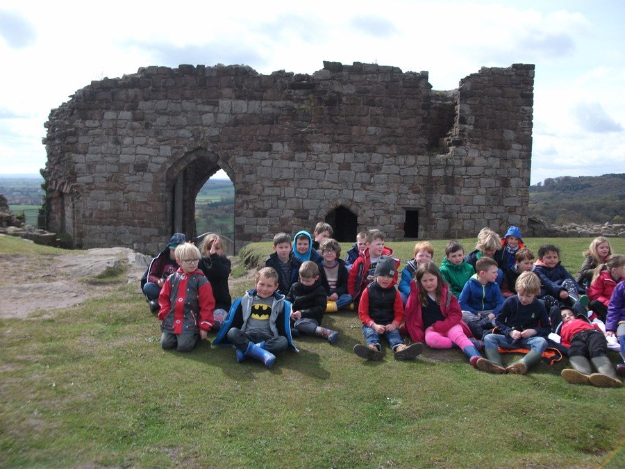Year 2 at Beeston Castle 2016
