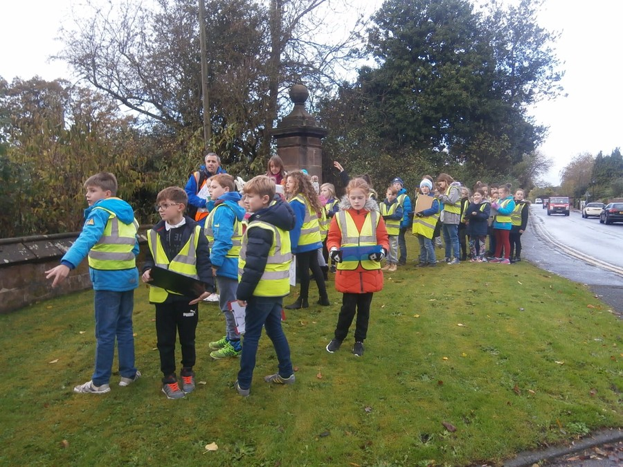 Y4 investigating Tattenhall Village 2016