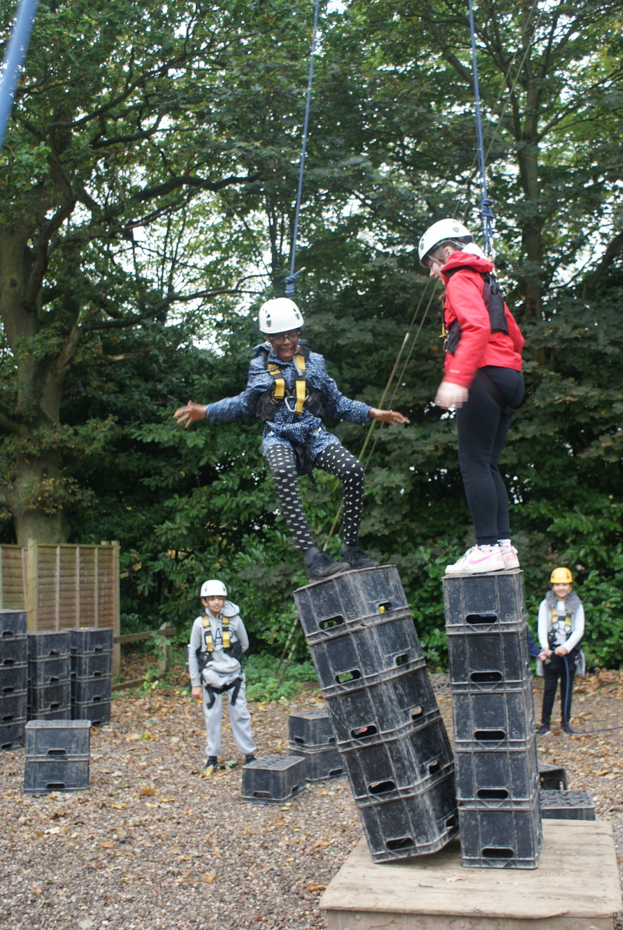 Crate stacking, stack the crates until they topple!
