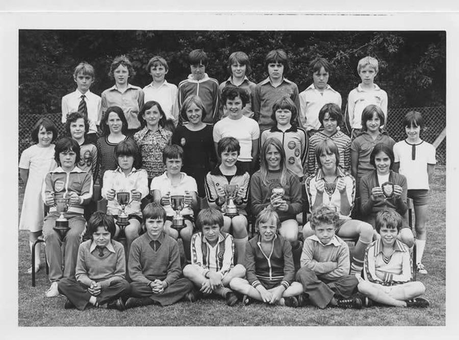 A class photo from 1977.