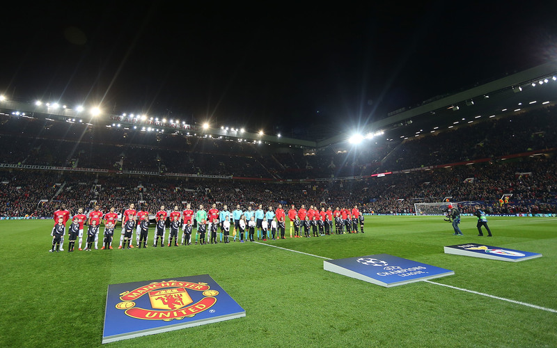 MUFC vs Benfica 31.10.17 5 of Clifton's pupils escort the referees