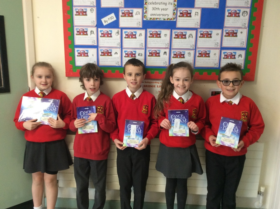 Some members of P5W who accomplished the fantastic achievement of  having their P4 poetry published in a Young Writer's book! Well done guys!