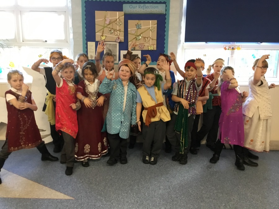 29/11/2017 An Indian Experience. Class 2 children enjoyed dressing in exquisite Indian clothing to dance.