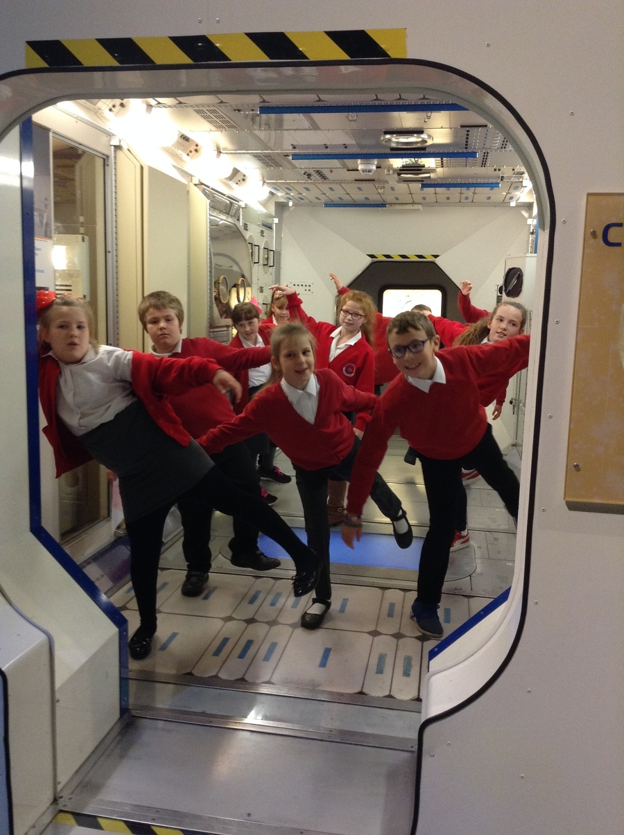 On Tuesday 28th November Year 5 went to the Space Museum. They had a great experience trying out all the different simulators and activities there.