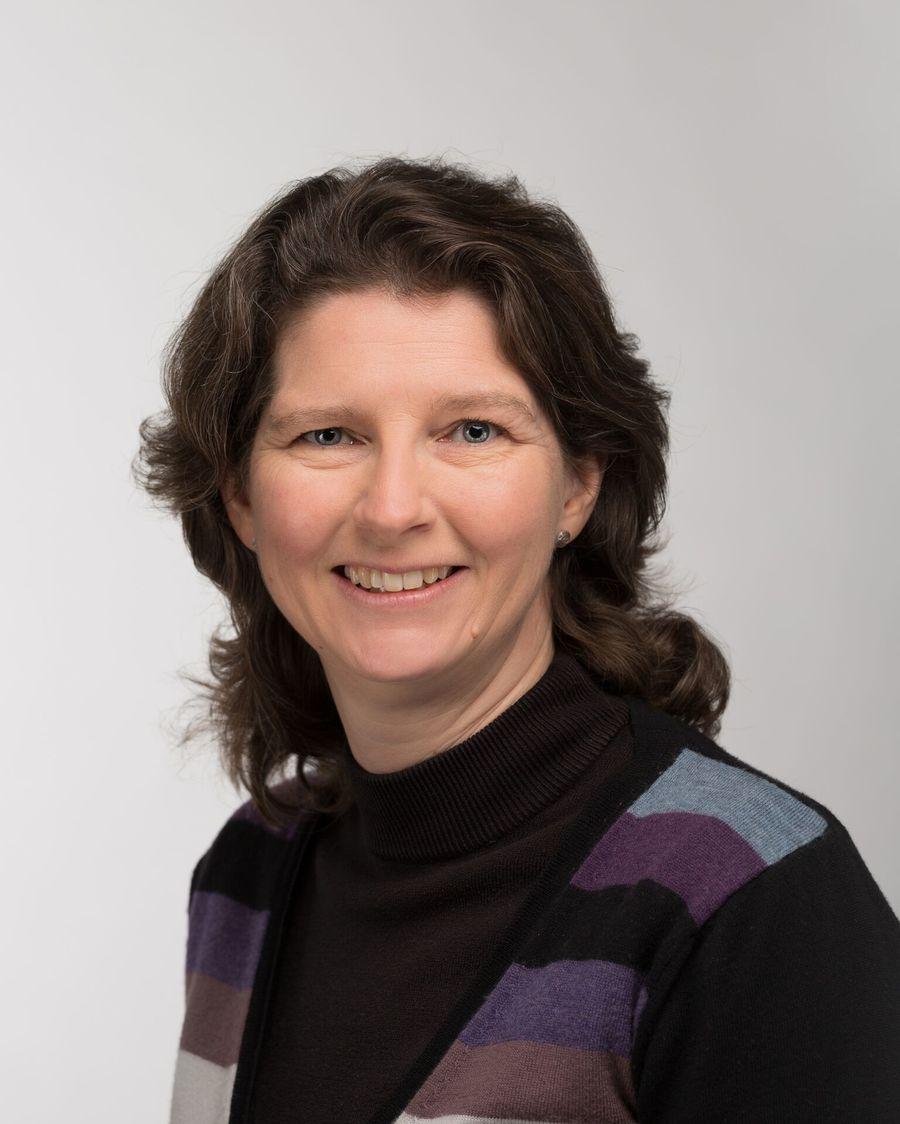 Mrs Michelle Kelsey