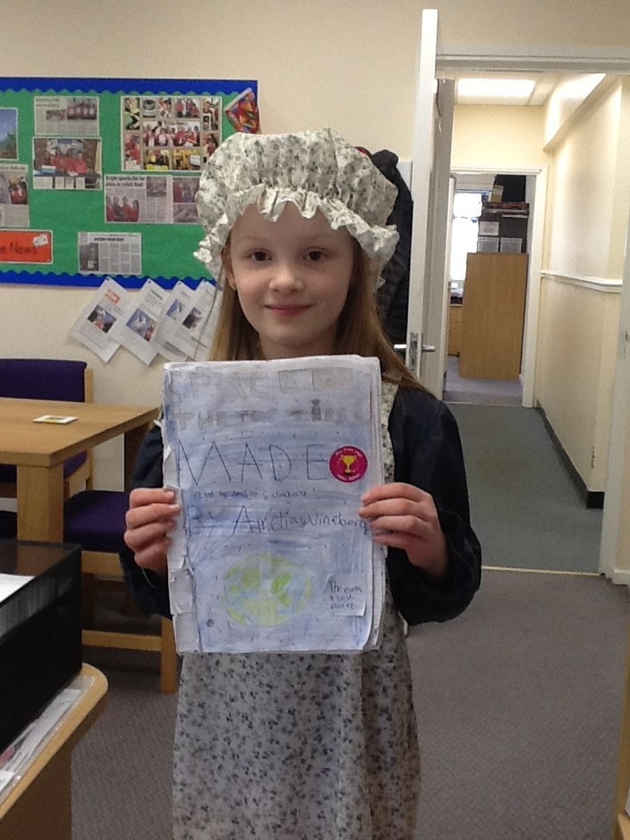 Amelia, in her own time, has written a fantastic book about space.  It includes key information about the different planets, as well as facts about famous space explorers.  Well done Amelia!