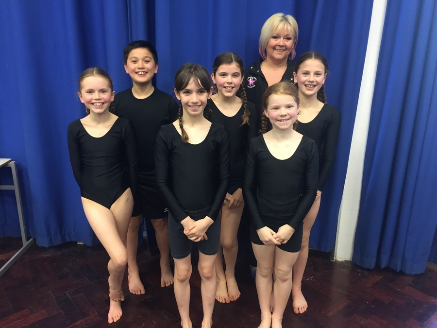 We were delighted for our U11 team (pictured with coach Kelly Mires) to come 3rd in the Ipswich and South Suffolk Gymnastics competition and we have got through to the finals in July! Our 2 U9 teams also performed really well and came in 6th and 13th place. Congratulations!