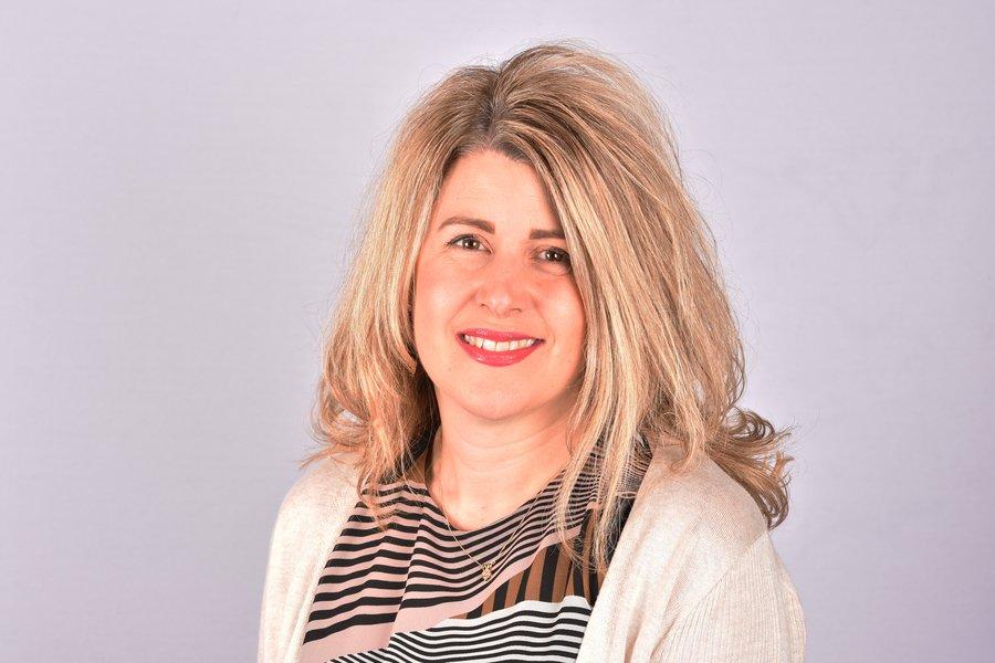 Mrs Lisa Salmons - Teaching Assistant
