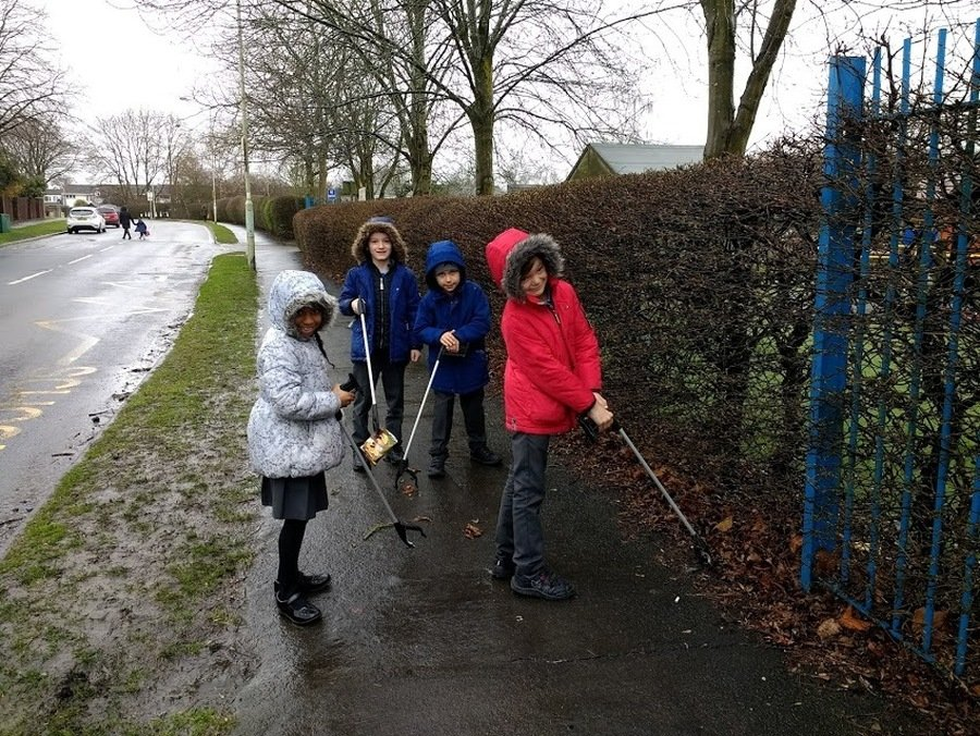 On 28th March we took part in the Great British Spring Clean.  Holly Butterworth came to talk to the whole school in assembly about the need to recycle and pick up litter.  Each class used the litter pickers in the school playground despite the rain!   Here the school council look for litter on the pavements outside school.