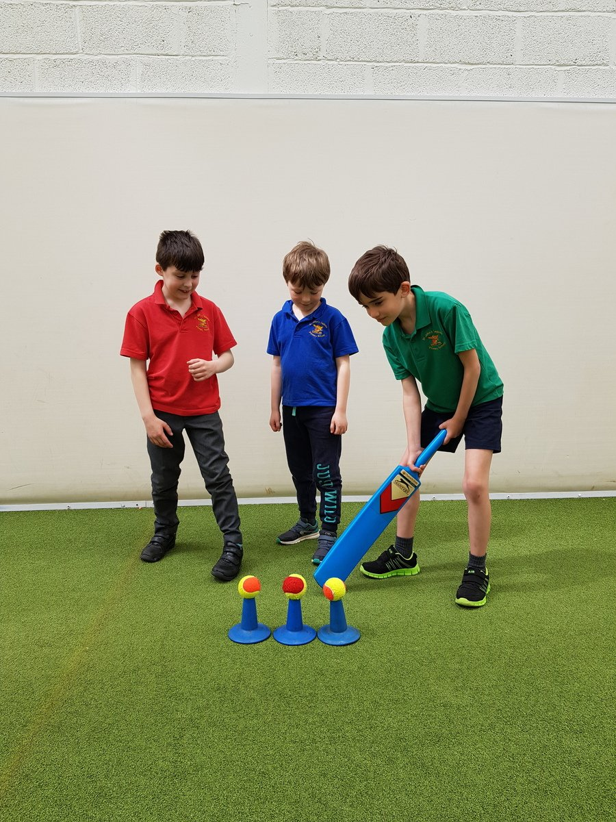 Our Year 3 children have been enjoying sporty Tuesday afternoons this term. Here some of the boys are practicing their batting skills at Bath Cricket Club's indoor training facility.
