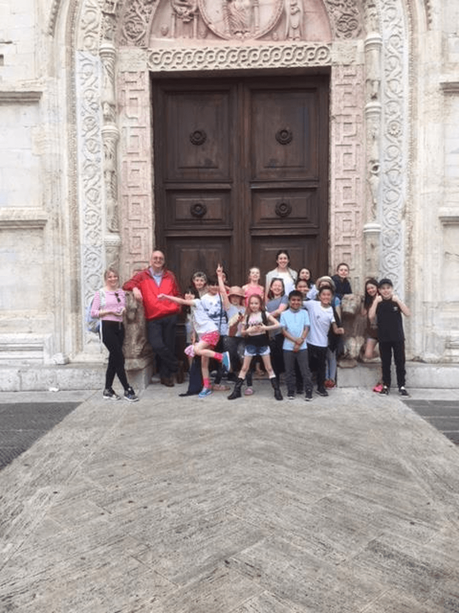 Five go to Assisi