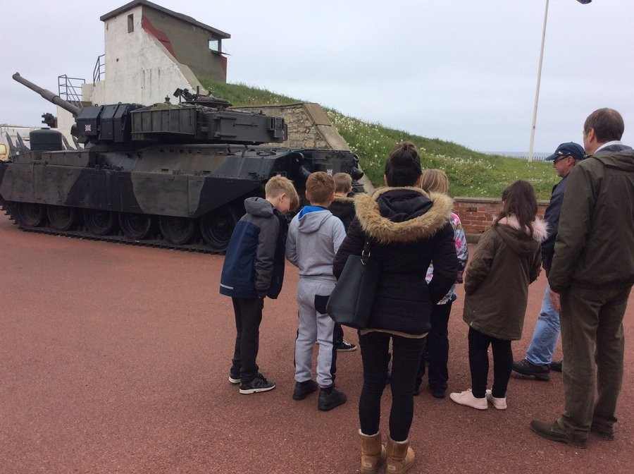Class 4 visit to the Heugh Gunn Battery.