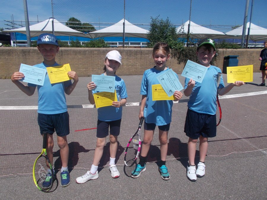 U9 Tennis - June 2018. Congratulations to THomas, Bradley, Charlotte and Jessica who entered the Hadleigh Pyramid U9 Tennis Competition - and won!