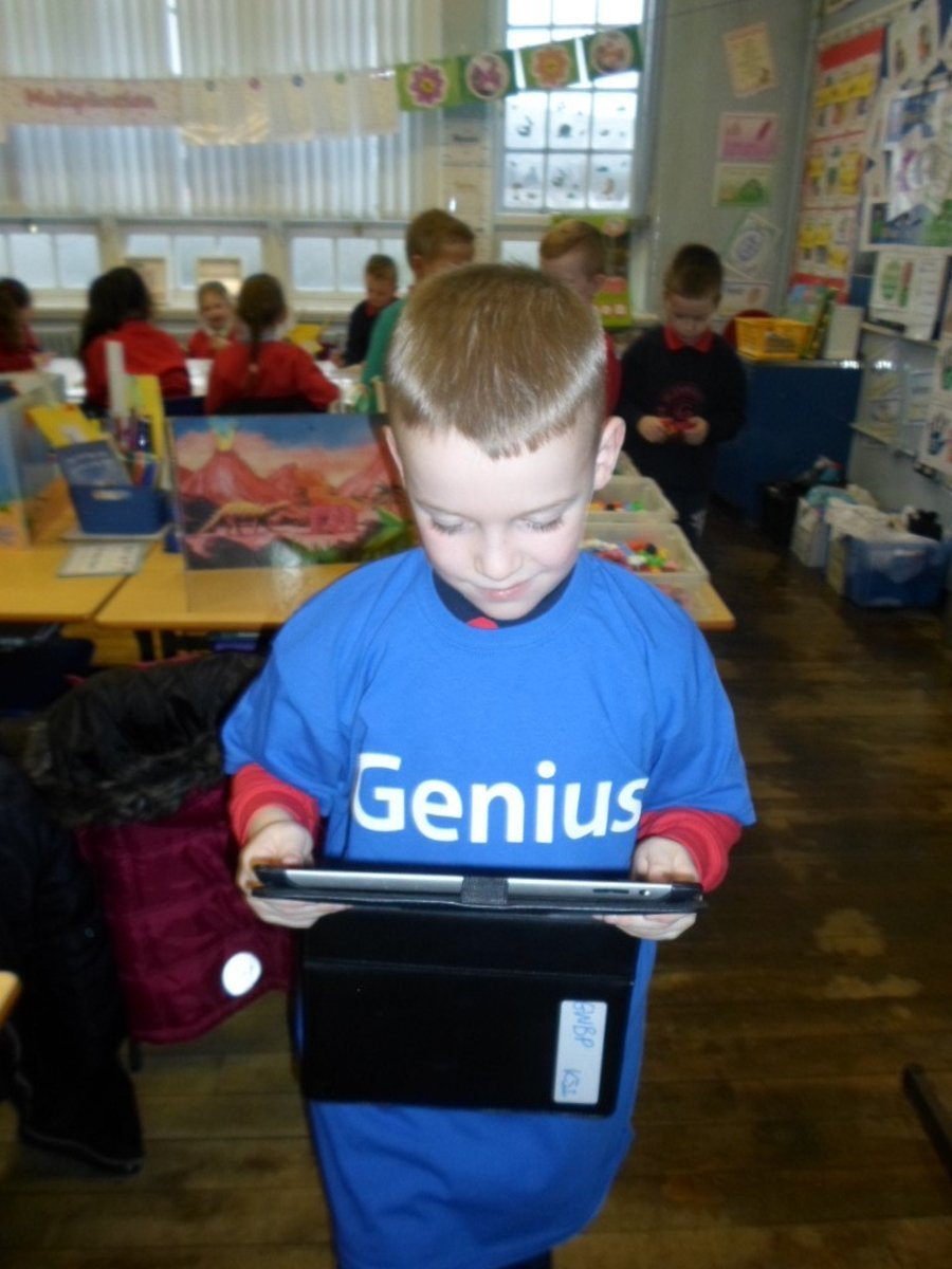 Lewis Gray P6 Wearing his Digital Leader T-Shirt proudly!