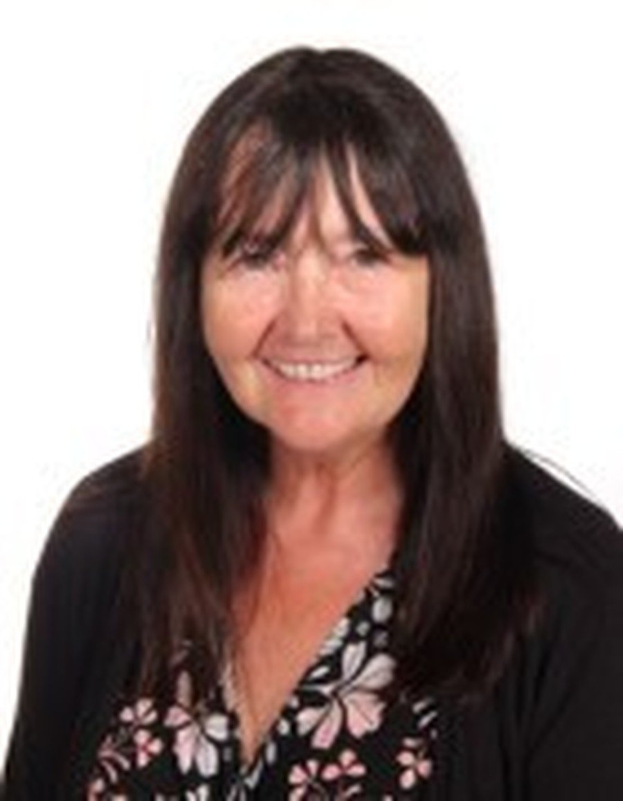 Debbie Chamberlain</br>Assistant Head