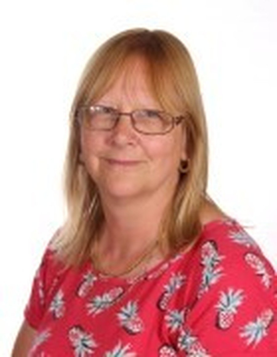 Sue Hepper</br>Teaching Assistant