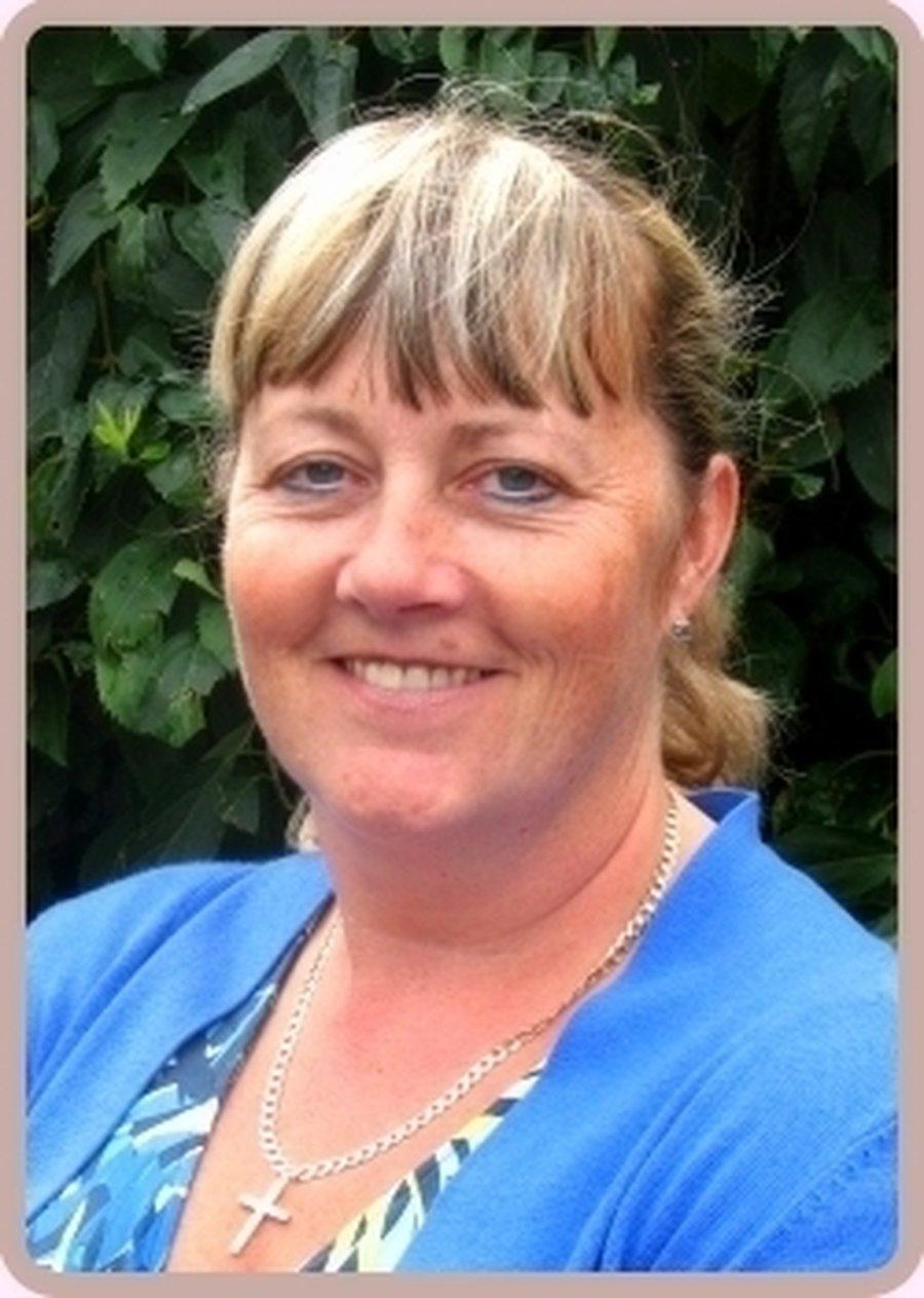 <strong>Miss J Collins </br> (Headteacher)</strong>