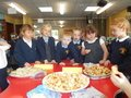 Yummy harvest food tasting with Year 1 children 2.JPG