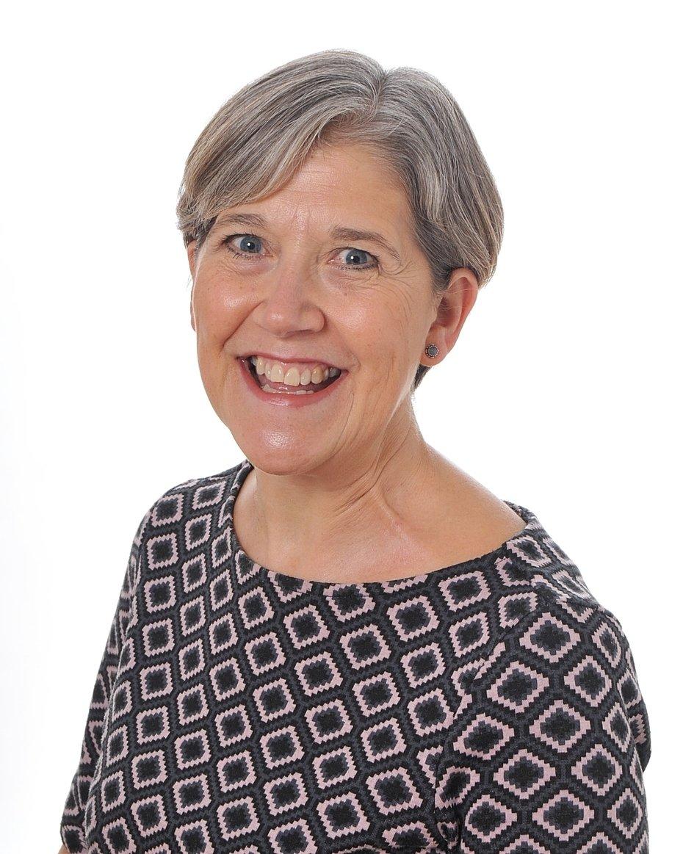 Mrs Vicky Darroch