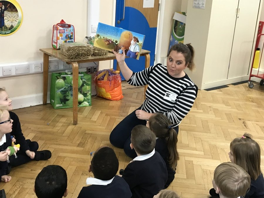 On Monday 14th January Reception children took part in a workshop about 'The Three Little Pigs'