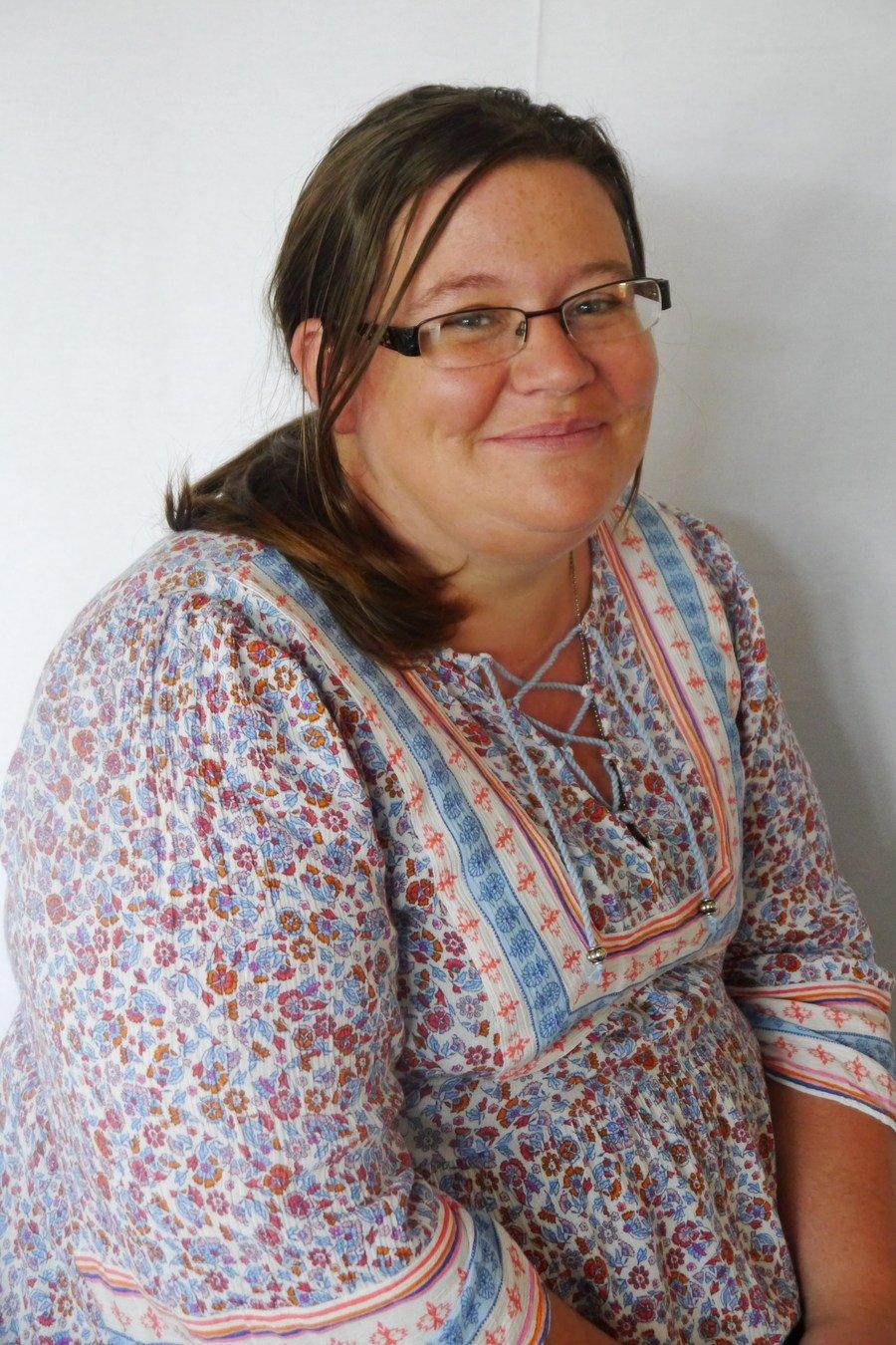 Mrs Leanne Lambert