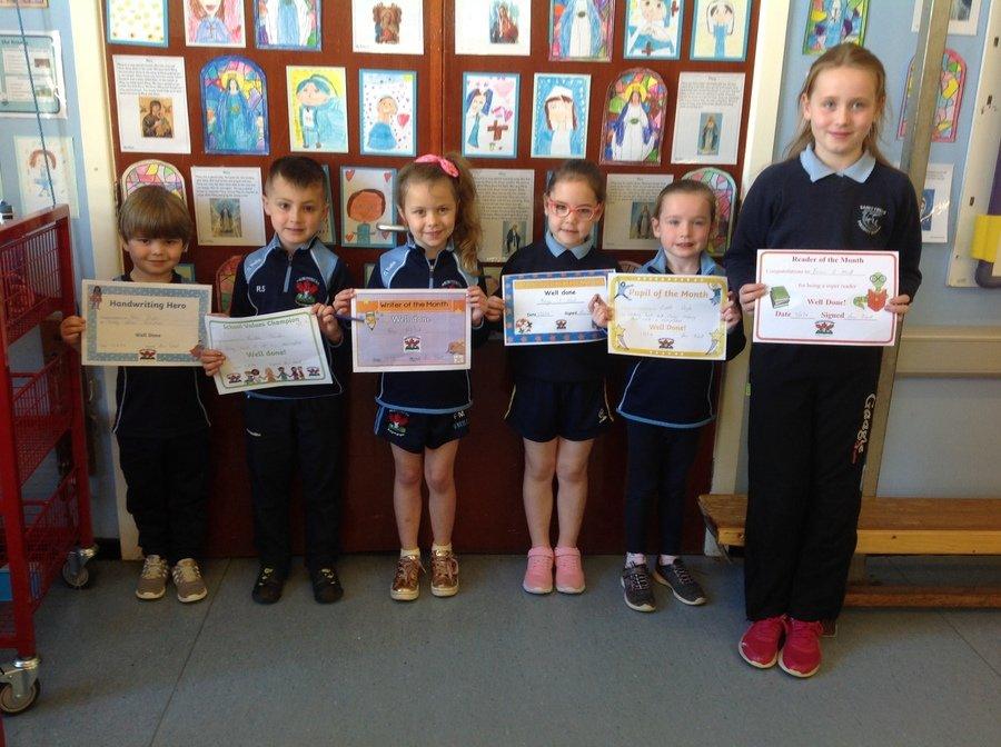 Dan, Riordán, Freya, Freya, Liadh & Eirinn (Eirinn's sister, Aoife, accepted her certificate for her).