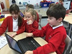 Yr 2 typing caption putting capitals in and commas between names 5.jpg