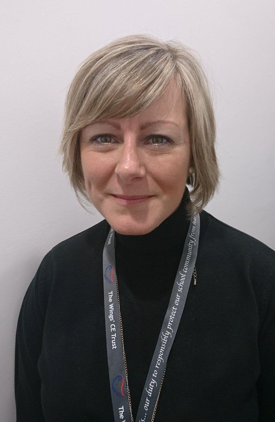 Mrs L Ormshaw