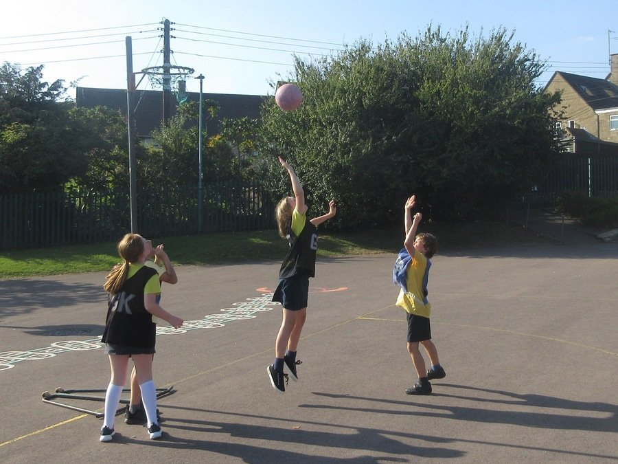 Thursday<br>Netball Club<br>with Mr Sisson & Miss Babbage<br>Key Stage 2