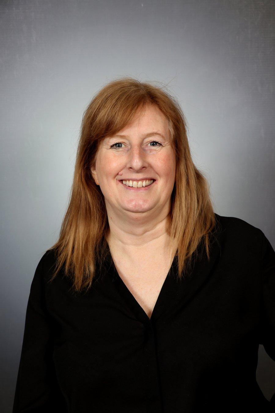 Mrs D Ratcliffe