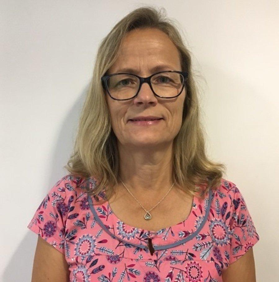 Mrs Nicola Beaverstock