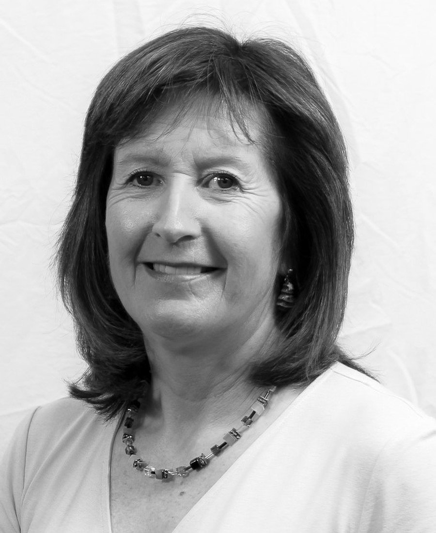 Mrs Lynn Osborne- Attendance Officer and Year 5 and 6 TA