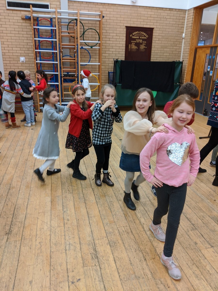 We really enjoyed our Christmas party! We had lots of party games and even a Christmas quiz!!