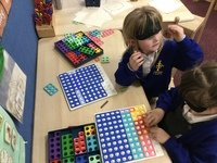 Fill the Numicon board.