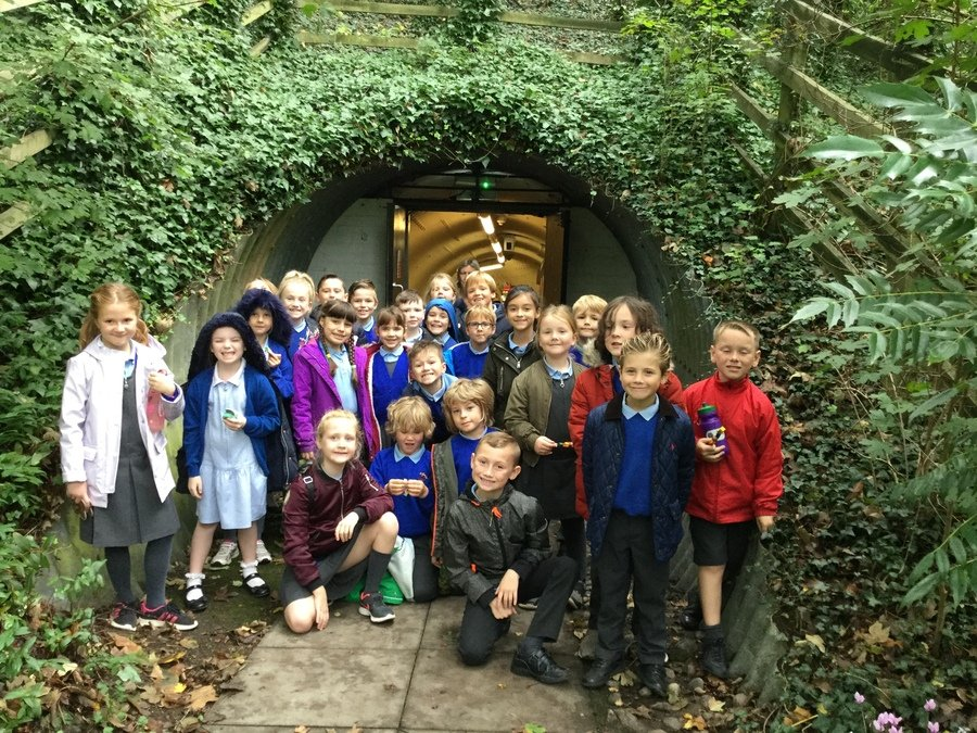 On Tuesday 8th October Years 3&4 class went on trip to The Roman Baths at Welwyn and then on to Mill Green in Hatfield. The Baths is a real example of how the rich Romans would keep themselves clean.  They could easily spend 3 to 4 hours moving from room to room.  The children had opportunities to dress up as Romans, pose as soldiers, play Roman games, taste their food and handle Roman artefacts.