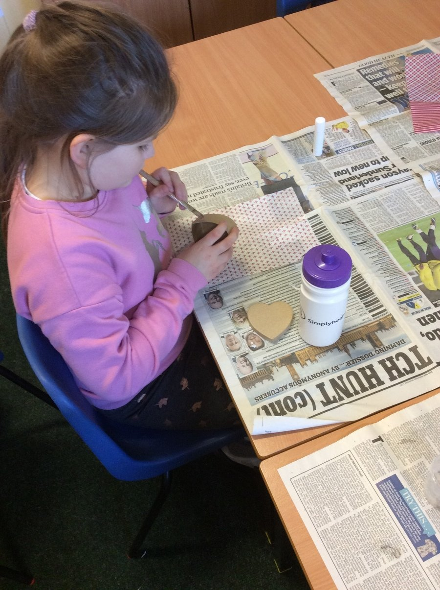 Decorating boxes with decoupage