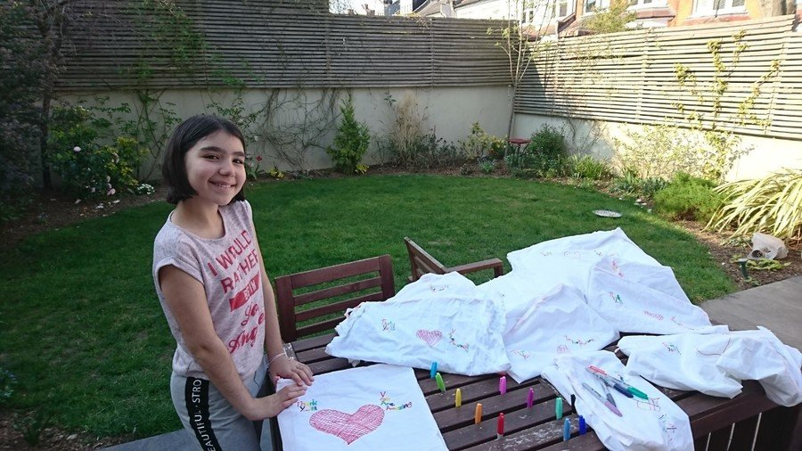 Idil and her mum have been helping to make laundry bags for the NHS