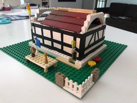tudor house 1.jpg