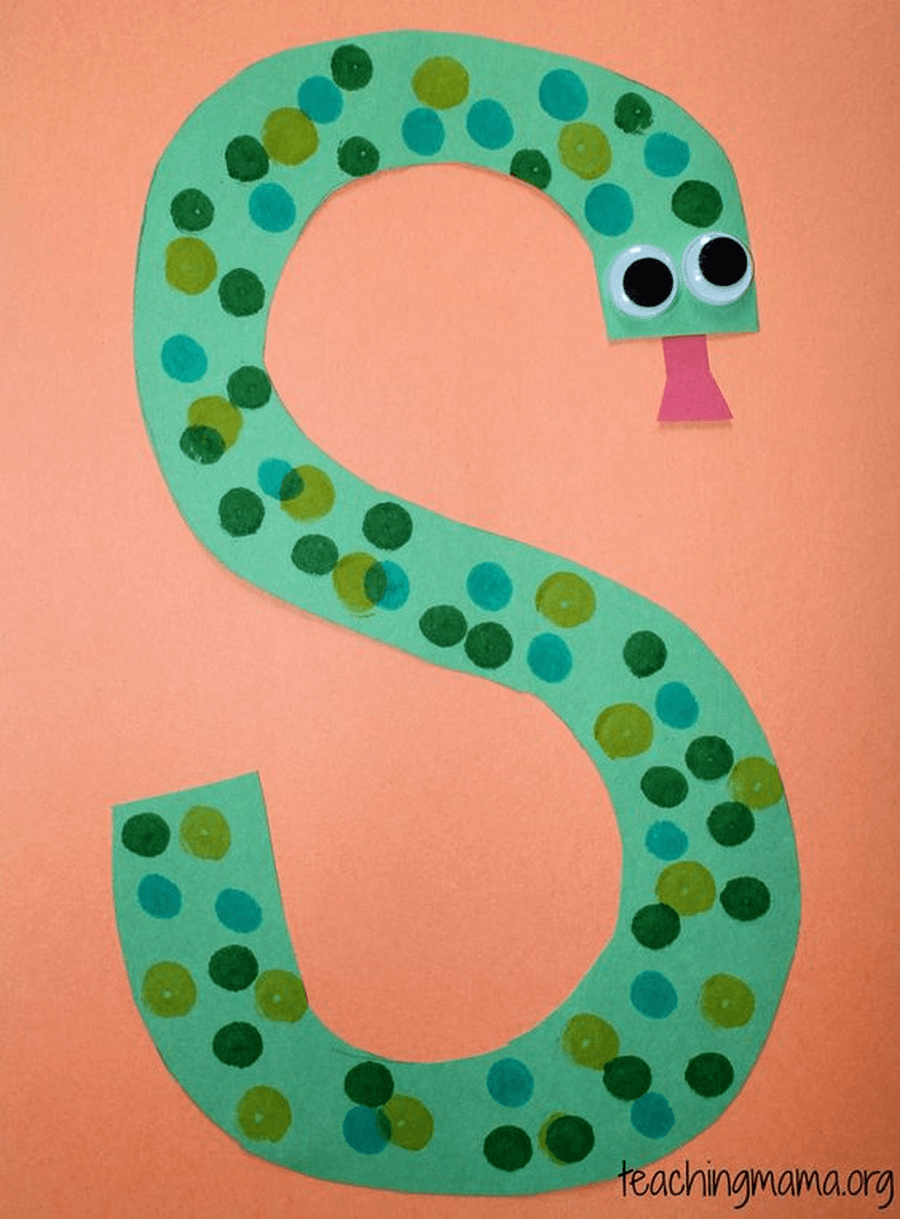 Sunflowers starts with the letter s. How many things can you find in your house that start with the letter s? Can you make up some silly alliteration rhymes using the letter s? Such as Silly sausages sing songs. You can tell them to an adult or you could try and write them down.