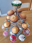 Joshua (Year 5) Flapjack, plain and decorated cupcakes