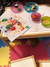 Oscar, aged 3, <br>painting with vegetables