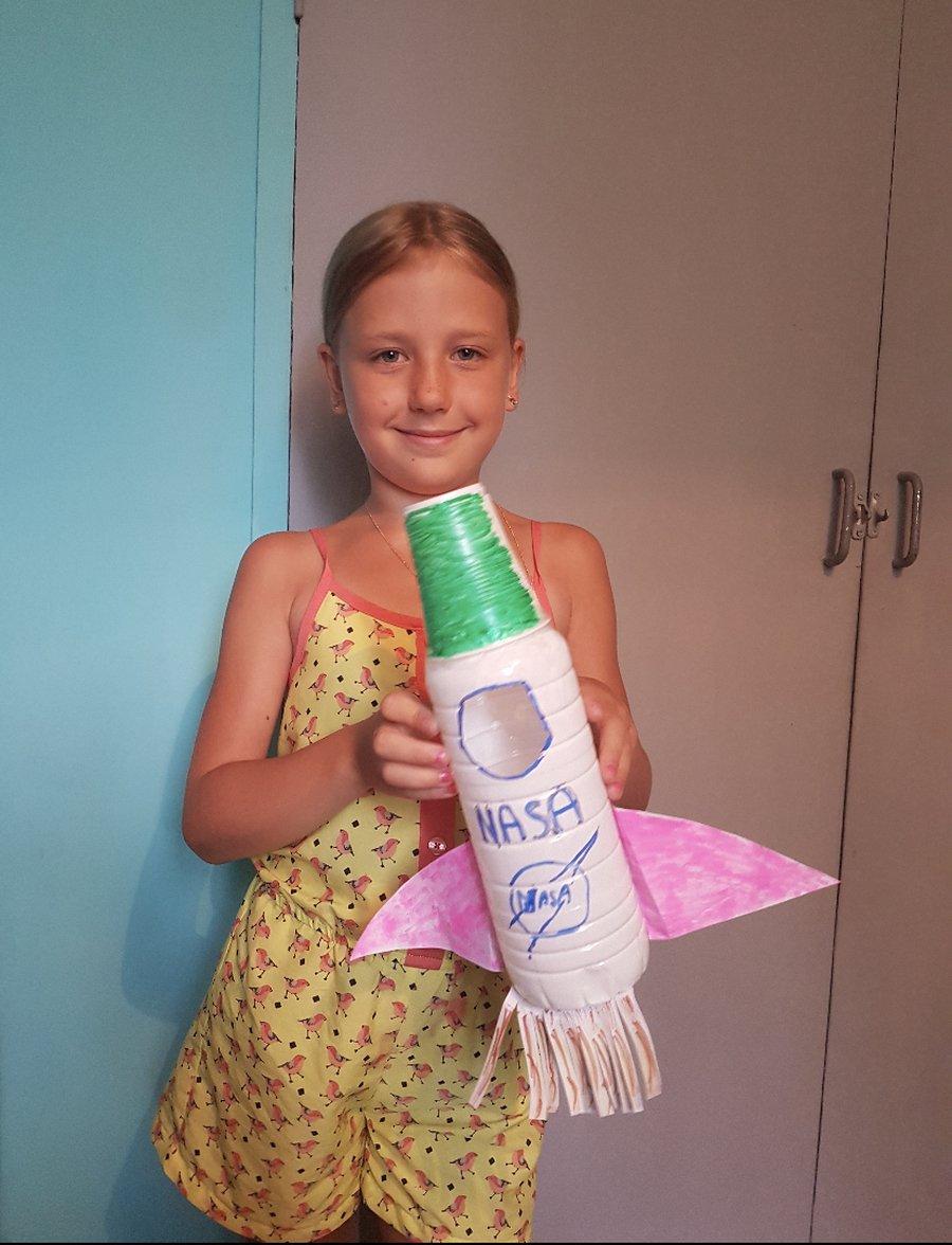 A super rocket by Maria.