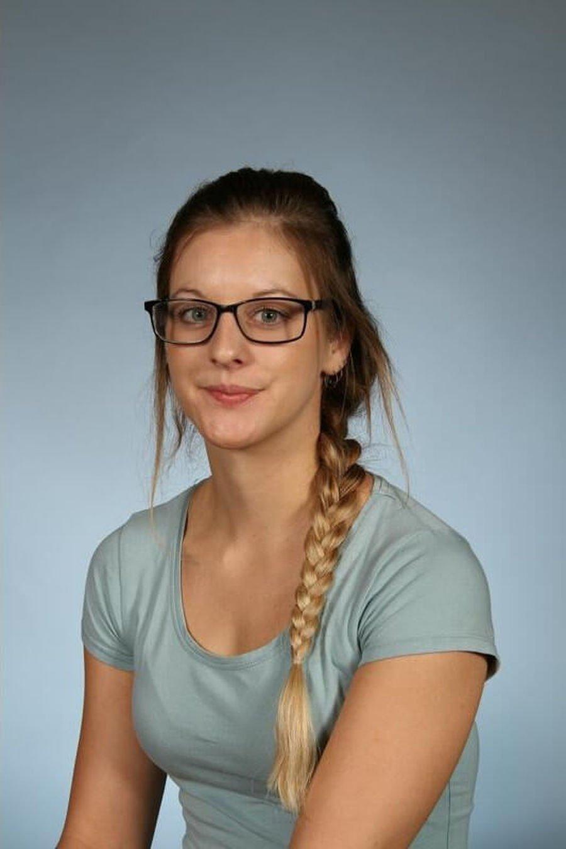 Miss Henshaw <br />Teacher