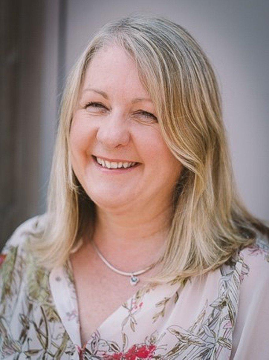 Mrs B Houghton - HLTA