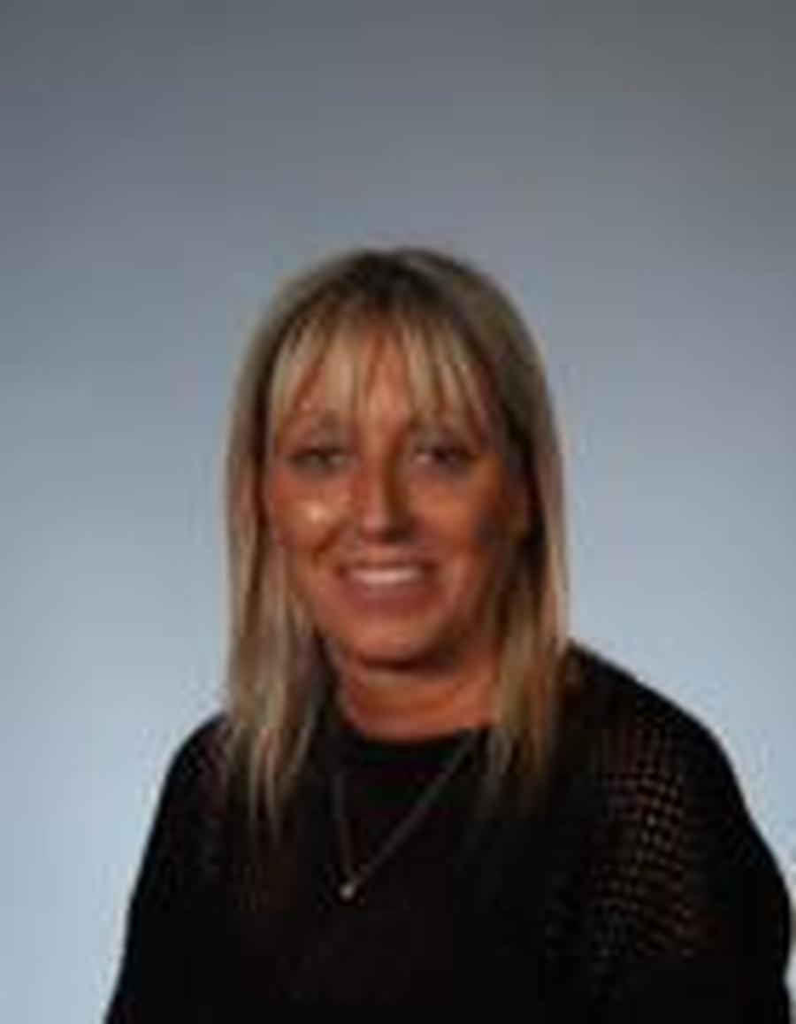 Ms Kassner </br> School Business Assistant